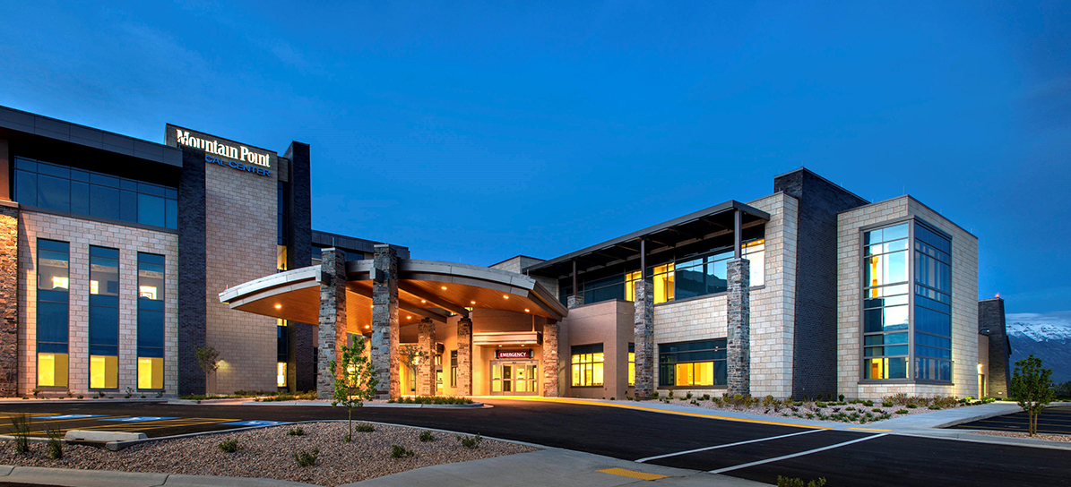 Iasis Healthcare Mountain Point Medical Center and MOB Entrance at Twilight